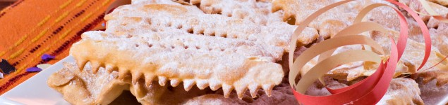 """""""Chiacchiere"""" - Traditional italian carnival's pastry"""